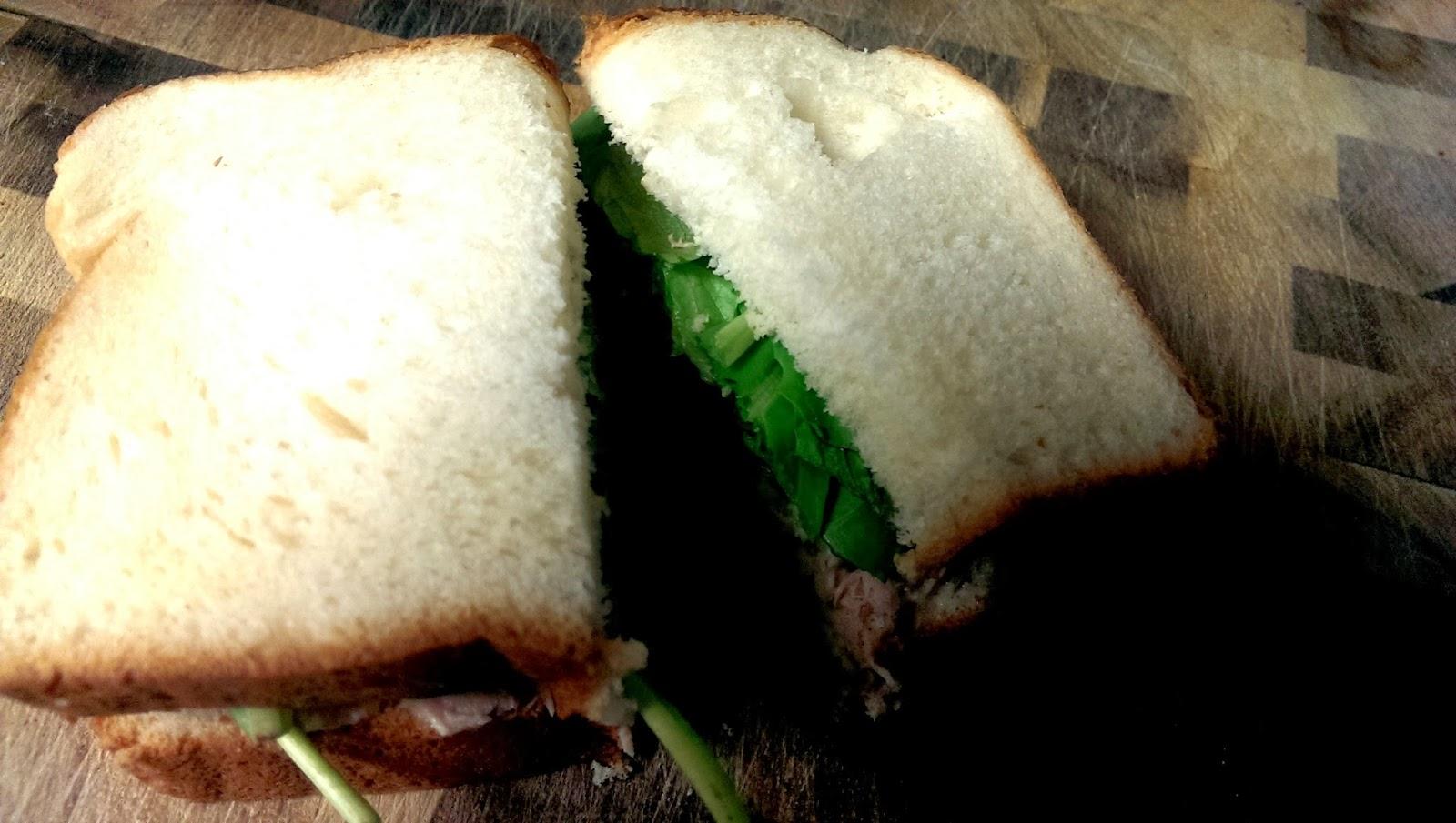 Kings+Hawaiian+Sandwich King's Hawaiian Bread Review
