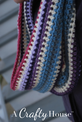 Free Crochet Pattern - Scrap Yarn Eyeglass Case