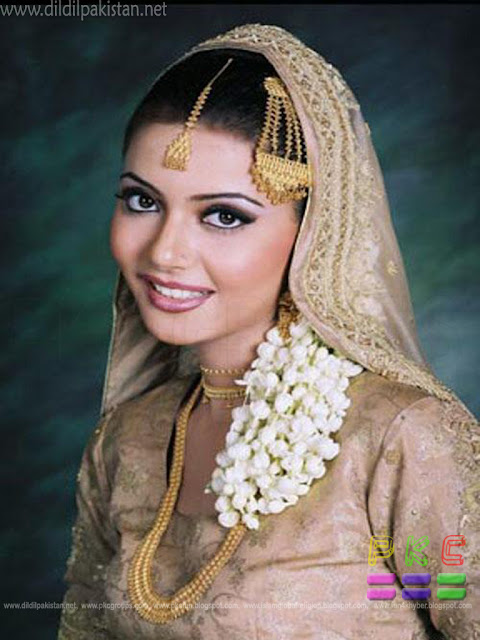 Nazia Hassan Marriage http://www.dildilpakistan.net/2011/06/pakistani-celeberties-family-pics-part.html