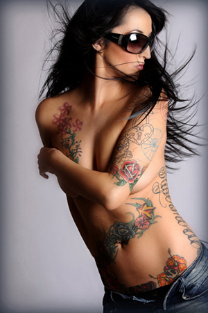 Current tattoo trends for women for Belly tattoos for female
