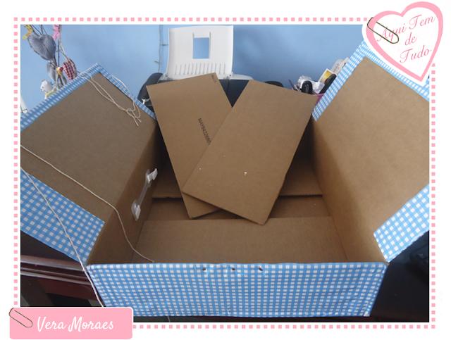 Reciclagem com caixa de papelão