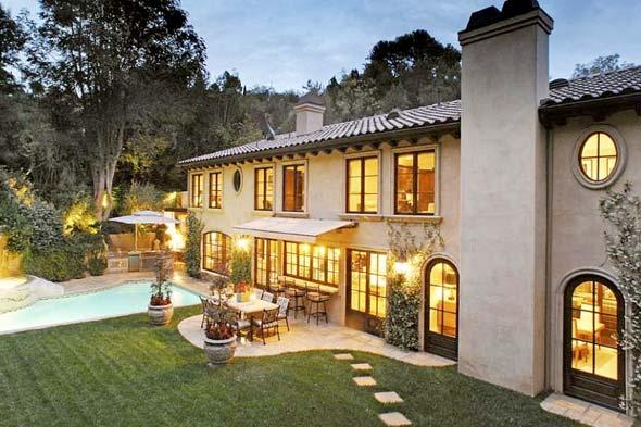Inside kim kardashian 39 s calabasas home - Kardashian home design ...
