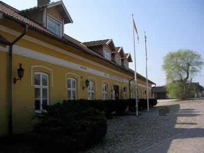 Höörs Gästgifvaregård, fasaden. foto: Reb Dutius