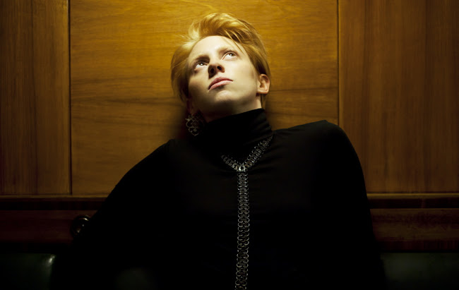 LA ROUX