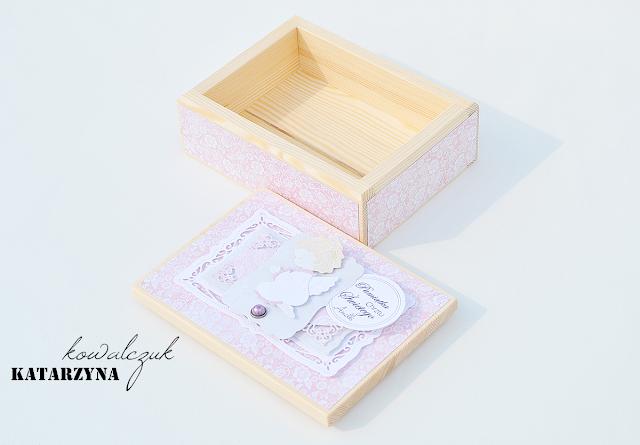 drewniane pudełko na pamiątki scrapbooking