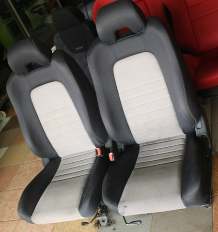 Dingz garage seat nissan skyline r34 complete for Garage seat 78