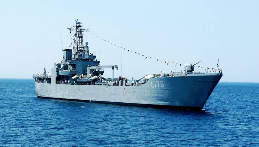 Τι τους θέλεις τους ξένους κομάντο δολιοφθορείς όταν ανοήτως φιλοξενείς λαθρο σε πολεμικά πλοία;