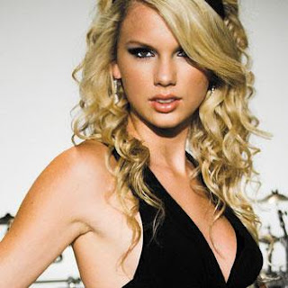 Taylor Swift Hot