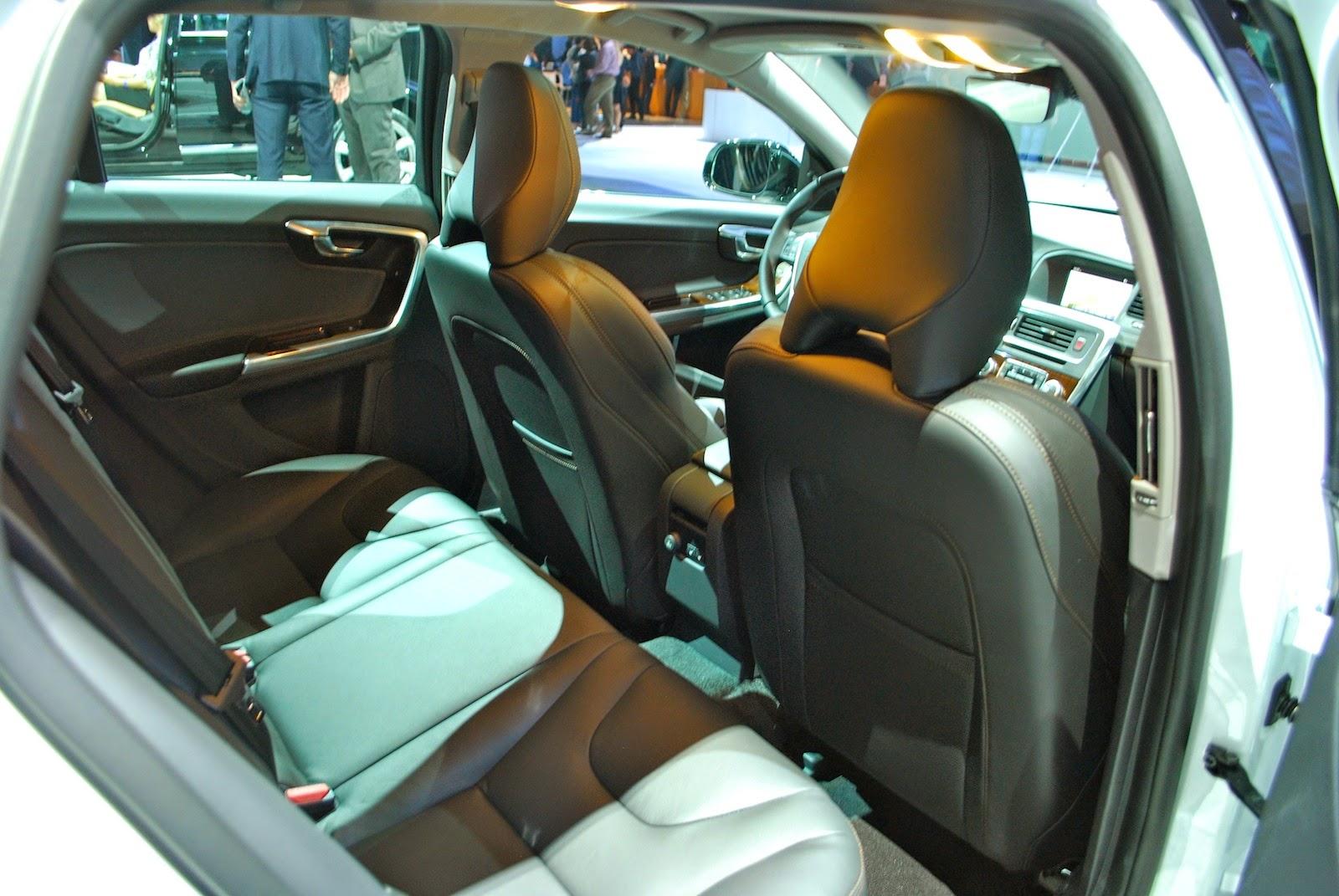 New Volvo V60 Cross Country At The LA Auto Show
