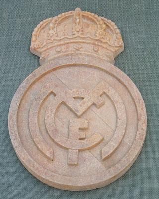 Escudo en simil piedra