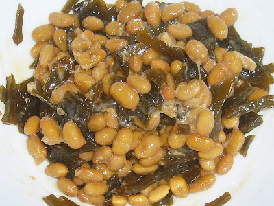 納豆に茎わかめの佃煮