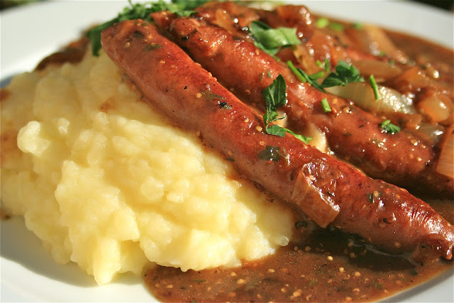 Johnny 39 s kitchen bangers mash for Classic house bangers