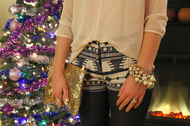 #tribal #tribalprint #printshorts #shorts #forever21 @forever21 #sheer #sheerblouse #shortsoutfit #Aldo #aldoshoes #ankleboots #aldoankleboots #streetstyle #holidayoutfit #holiday #outfit #ootd #christmas #christmasparty #party #partyoutfit #toronto #torontostreetstyle #torontofashion #fashion #fashionblogger #sashadoll #christmastree #style #trend #canadianstyle #srpskamoda #serbian #serbianblogger #blogerka #srpskablogerka #srpskeblogerke #moda #stil #sequins #clutch #sequinsclutch #glitter #glitterbag