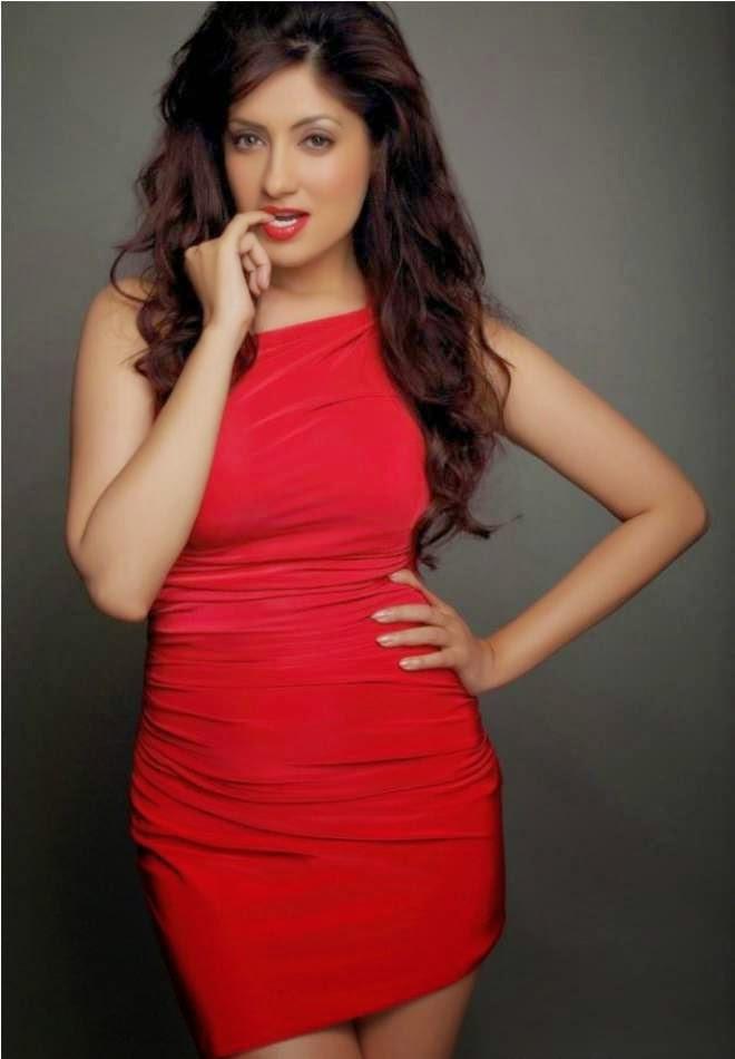 Gurleen Chopra Hot Photoshoot In Shorts