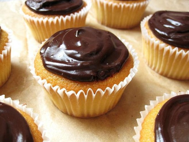 ... easy, brain-not-necessary recipes, and if you like CHOCOLATE, then you