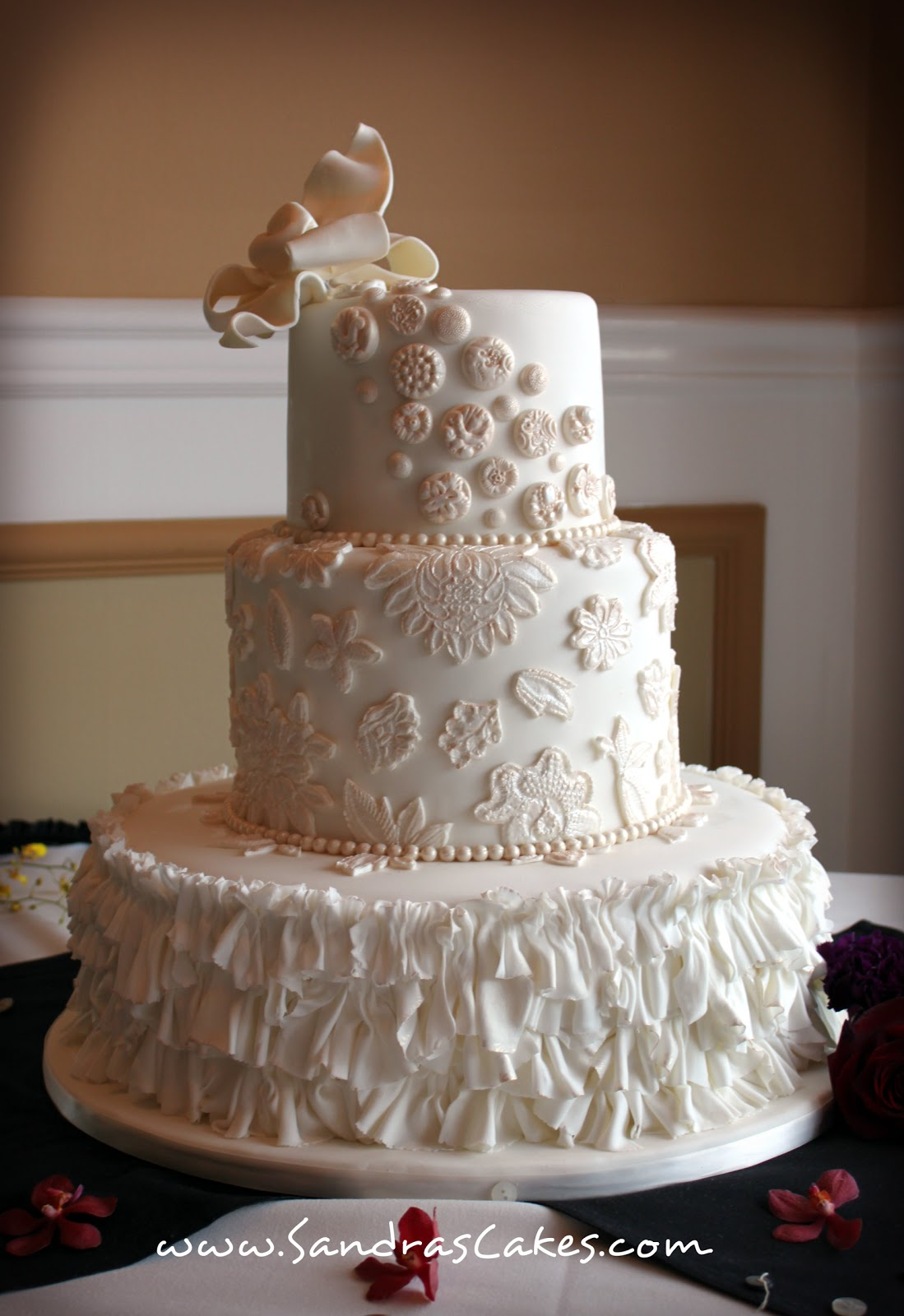 vintage wedding cake. Black Bedroom Furniture Sets. Home Design Ideas