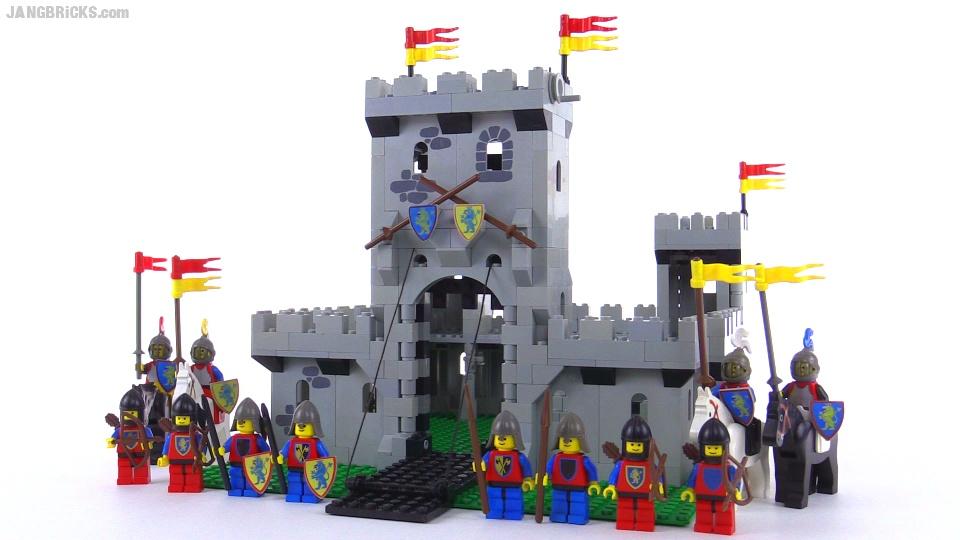 Vintage LEGO King's Castle from 1984! set 6080