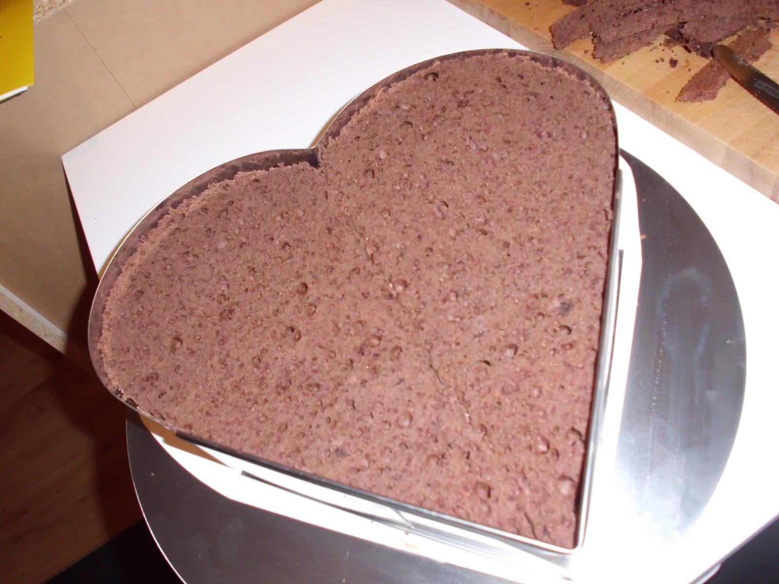 Hochzeitstorte In Herzform Bakerydoings