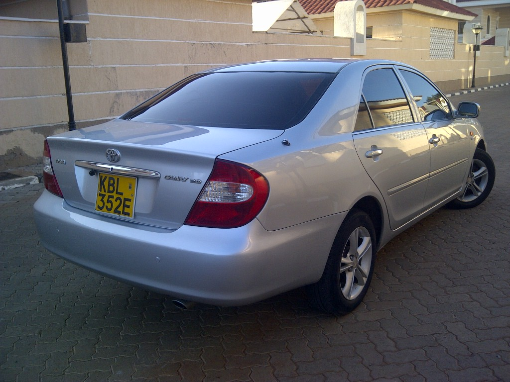 nairobimail toyota camry 2003 fully loaded 2000cc vvti leather seats silver. Black Bedroom Furniture Sets. Home Design Ideas