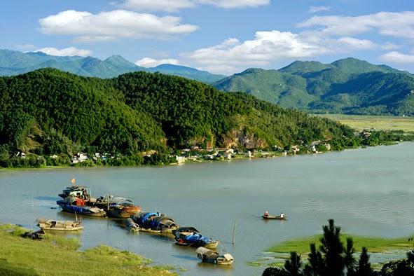 Hong Linh trekking