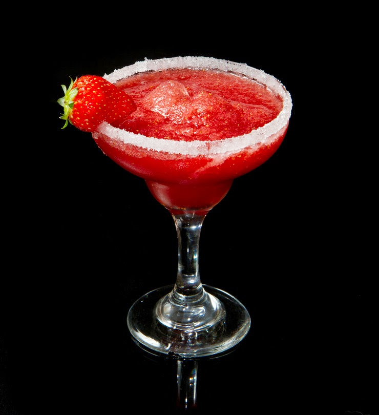 strawberry margarita-cocktail