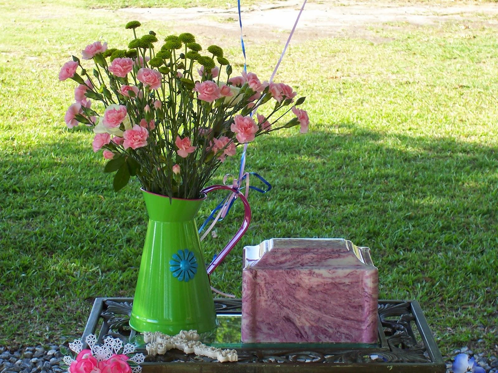 Cremation Urn, Pineyprairie.blogspot.com