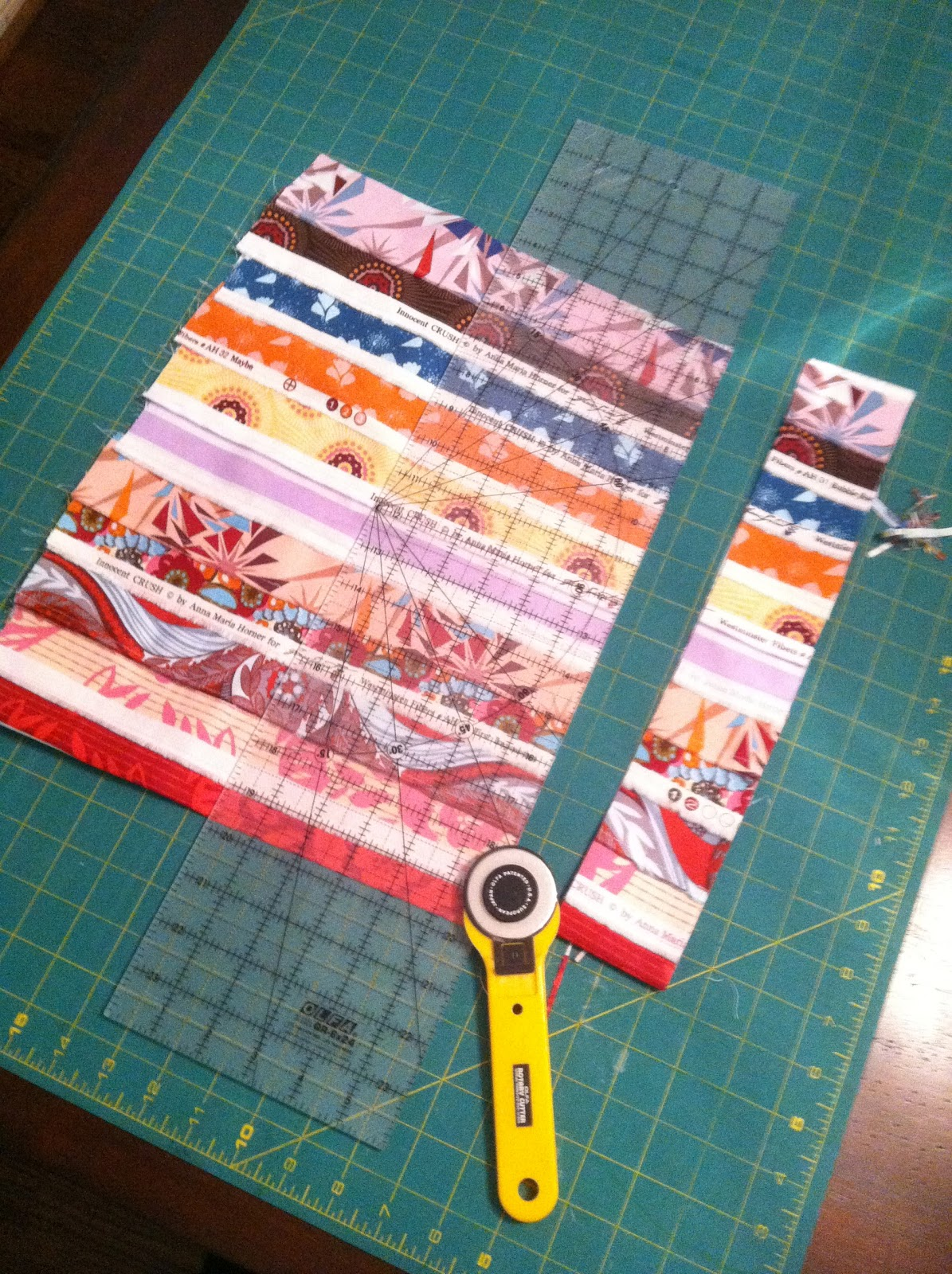 Tutorial: Making binding from selvedge : making binding for a quilt - Adamdwight.com
