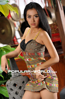 Cynthia Wijaya di Majalah Popular World, November 2012 (Part 2)