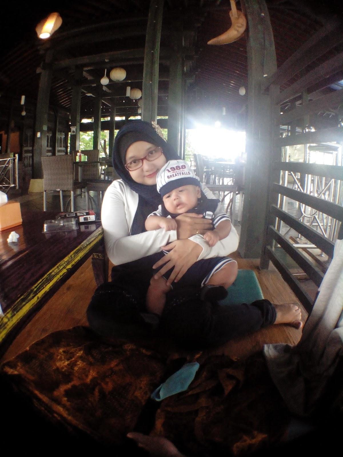 Bayi Lebih Ceria dengan Baby SPA