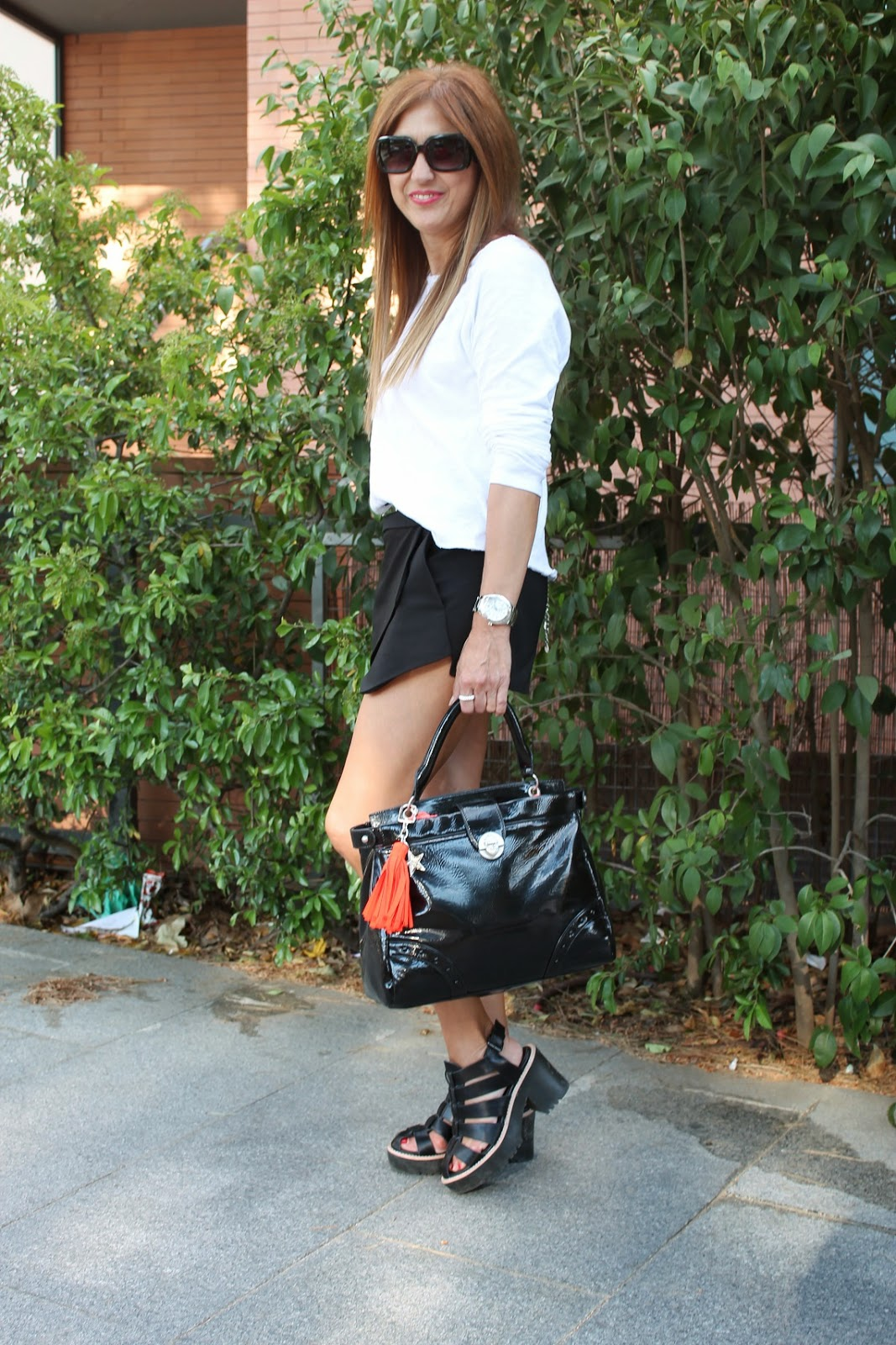 Lollipops, American Vintage, Street Style, Fashion Blogger, Fashion Style, Skirt, T-shirt, Sandals, Bag, Carmen Hummer