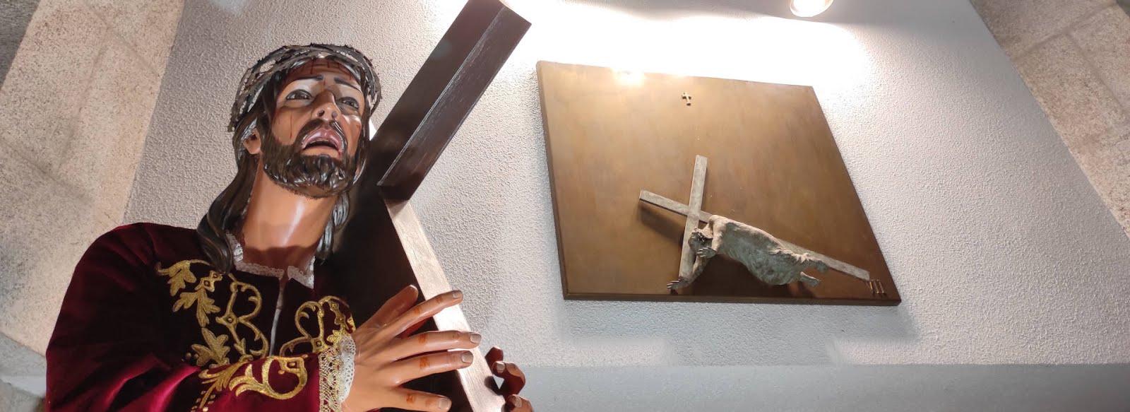 """La cruz de Cristo expresa amor, servicio, entrega sin reservas: es el """"árbol de la vida"""""""