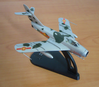 scale model miniature Mikoyan Gurevich Mig-17 F Fresco C