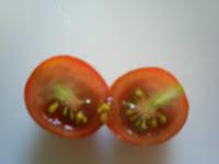 sección tomate cherry