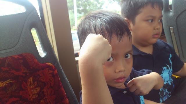 Menaiki bas ke PICC