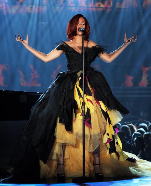 rihanna 2011 grammy awards. 2011 Grammy Awards Fashion: