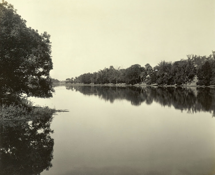 view on the moat in Dilkusha Gardens - Burdwan (Bardhaman), Bengal, 1904