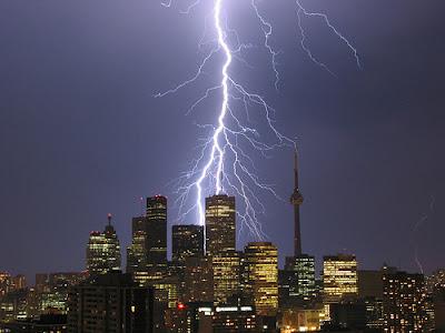 [WoA] La Guerre à Gateway City [LIBRE] - Page 4 Thunderstorm2