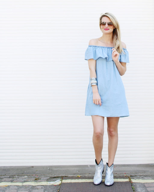 festival look, festivl inspo, glitter boots, off shoulder dress, mango off shoulder dress, denim dress, fashion blogger, silver glitter boots