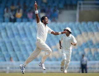 England-XI-vs-Mumbai-A-Kshemal-Waingankar