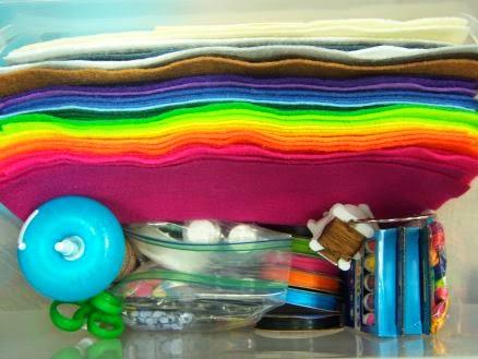 http://storytimekatie.com/2011/10/07/flannel-friday-flannelboard-kit/