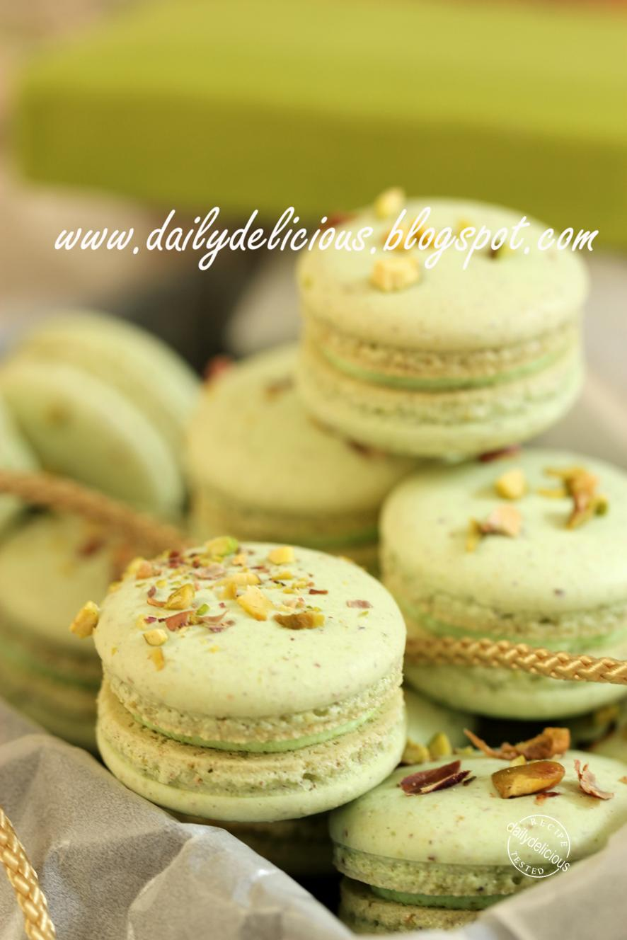 Pistachio Macarons: To you my sister!