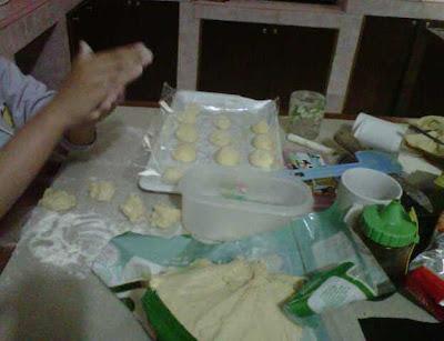 Aktifitas Ramadhan membuat kue donat