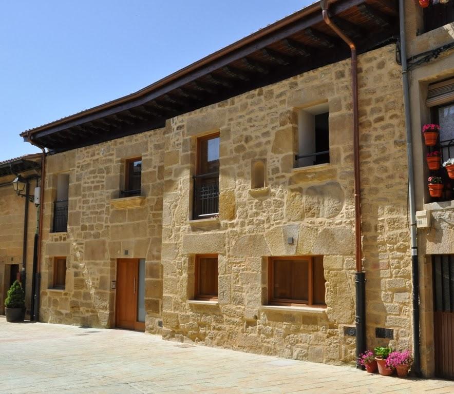 Biblioteca de materiales espacios secos rocas naturales - Zocalos de fachadas ...