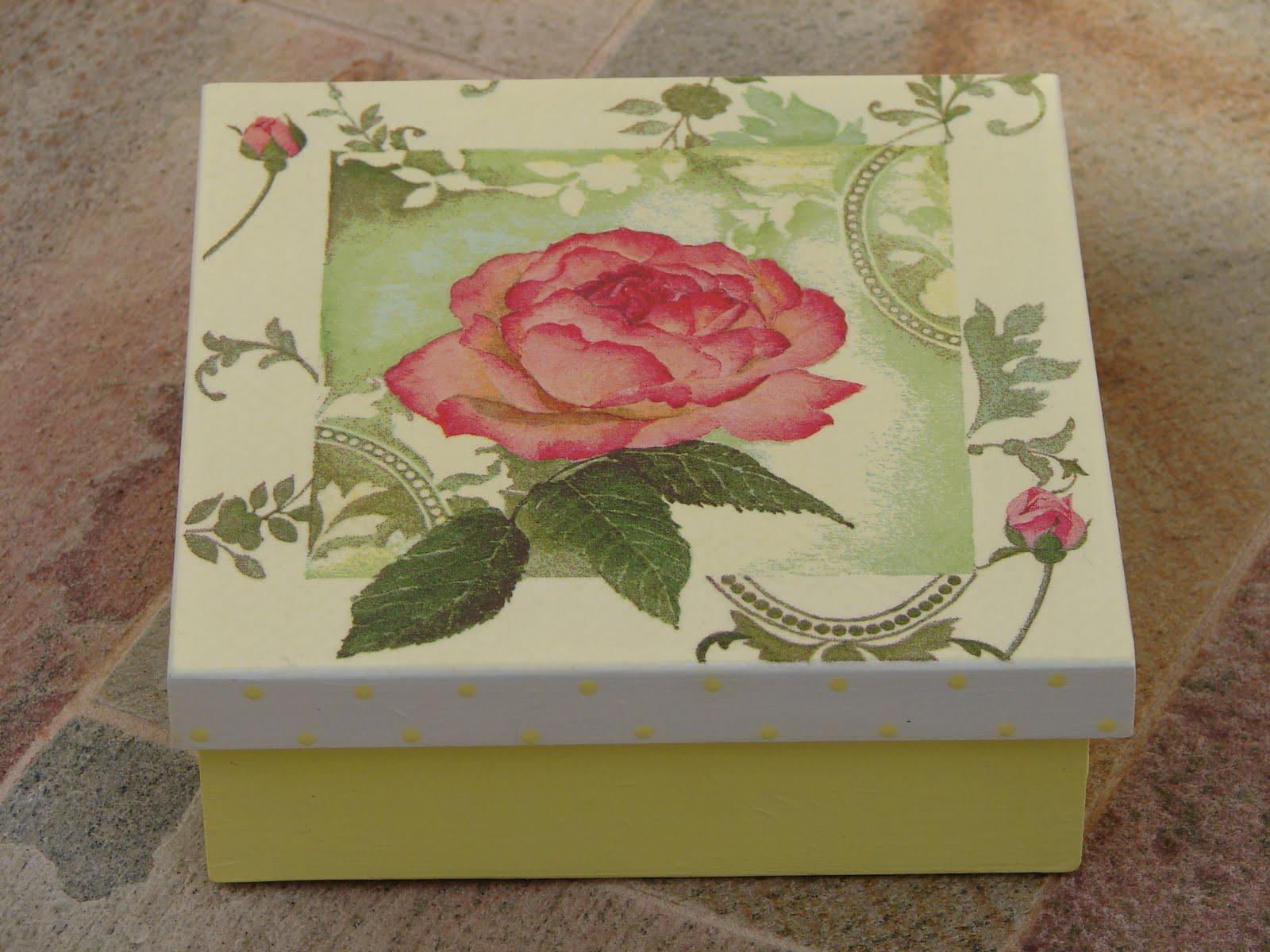 Bell'Arte Arte em madeira e tecido: Caixa para Embalar Presentes #94373E 1600x1200
