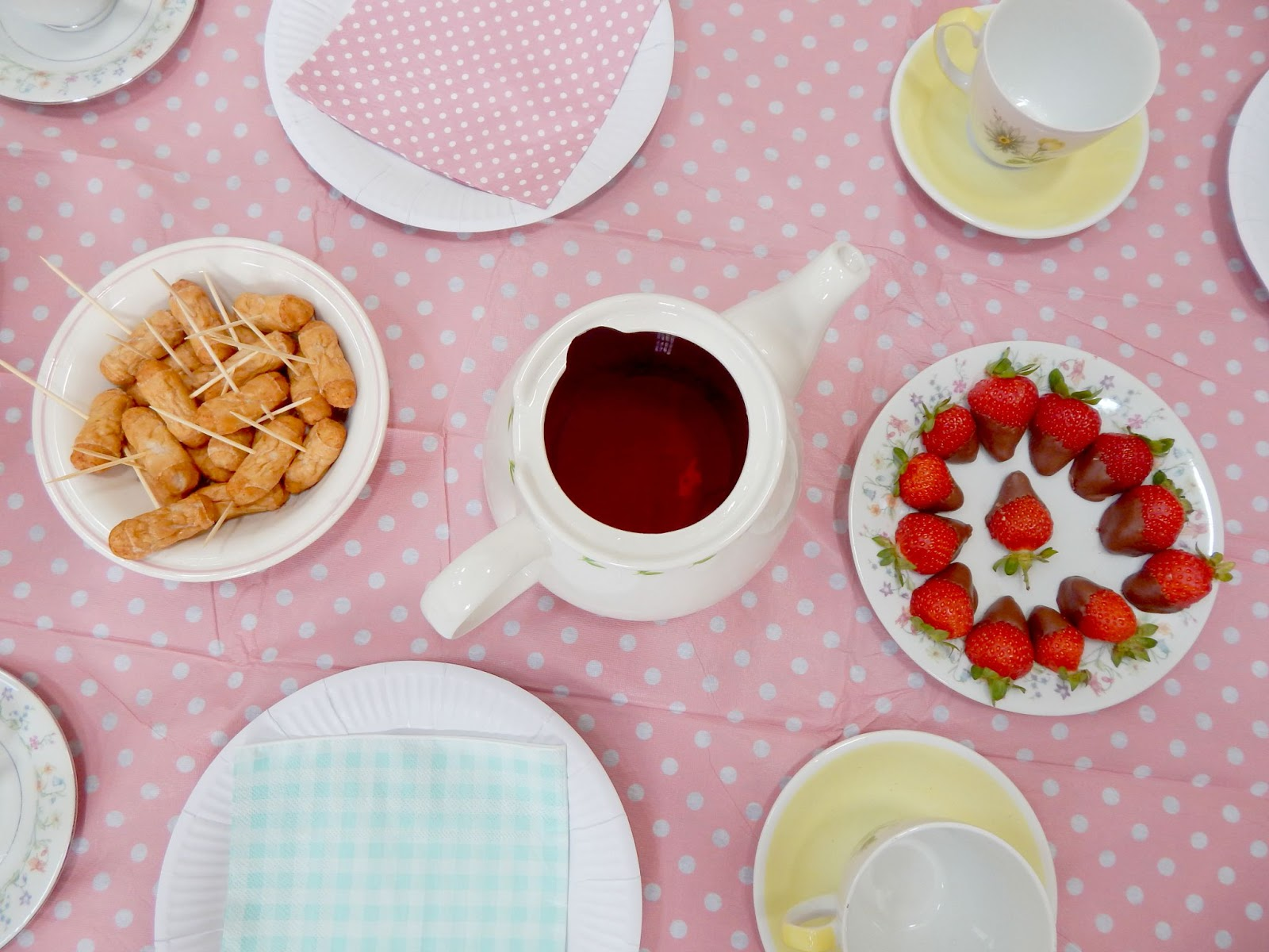 The Mad Hatters Tea Party - what lauren did today