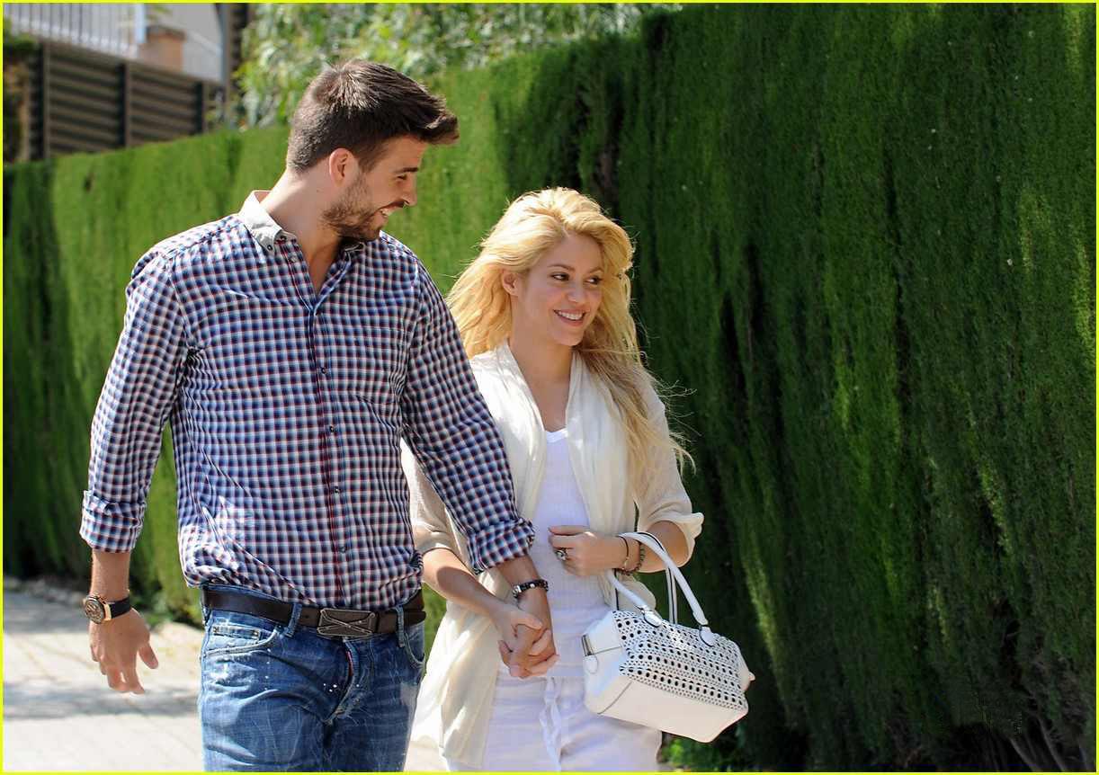 Shakira dating gerard pique