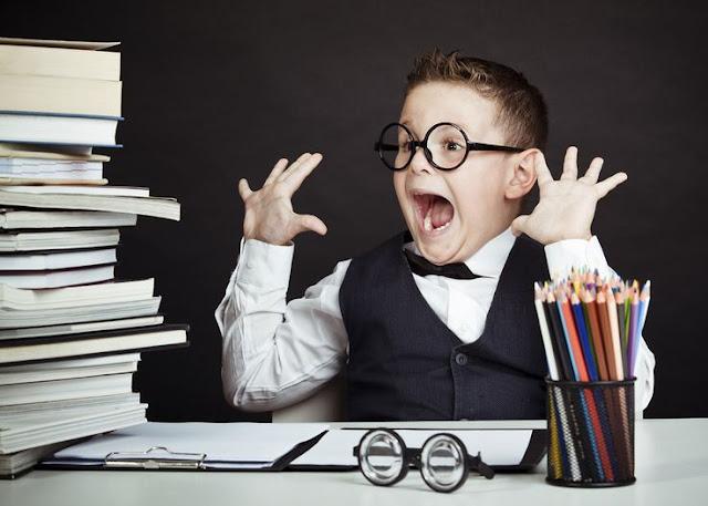 http://www.enfemenino.com/bebes/como-ayudar-a-tu-hijo-a-hacer-deberes-s1194655.html