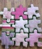 http://manualidadesreciclables.com/14788/puzle-gigante-de-tela-y-fieltro