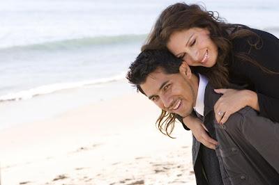 http://4.bp.blogspot.com/-h09y19MXexc/TlqsLX8_vRI/AAAAAAAAAfQ/b0SIpNImr1M/s400/Hispanic+Couple.jpg