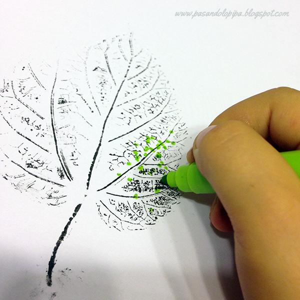 Pintar hojas al árbol
